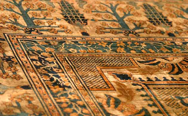 antique rugs image